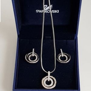 Swarovski earrings and pendant set